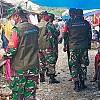 Koramil Warmare dan Babinsa Terapkan Prokes Covid di Pasar Rakyat Prafi