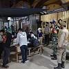 Kodim Jayapura Bersama Polri dan Satpol PP Intensifkan Patroli Prokes