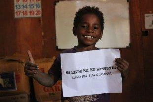 Usai Reuni 'Sa Rindu Ko, Ko Kangen Sa' Alumni 89 Jayapura Berbagi Kasih Dengan Anak-Anak Rumah Belajar  Wamena